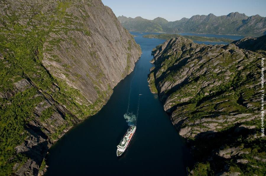 hurtigruten kreuzfahrt norwegen mit dem postschiff erleben. Black Bedroom Furniture Sets. Home Design Ideas