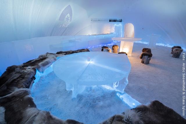 Schneehotel und Glasiglus Finnland Eisbar
