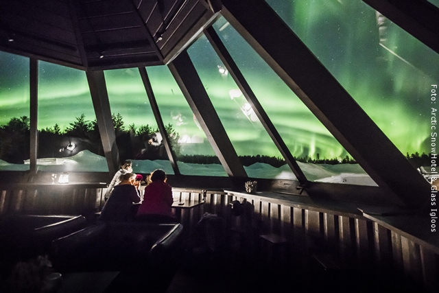 Schneehotel und Glasiglus Finnland Skybar