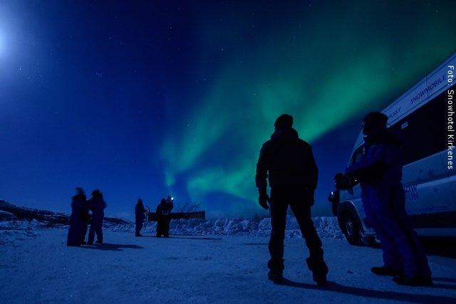 Schneehotel Norwegen - Nordtlichter Jagd per Bus