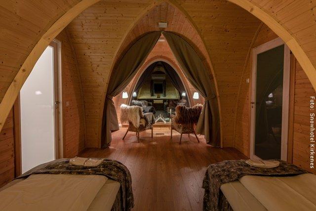 Schneehotel Norwegen - warme Nordlichthütte von Innen