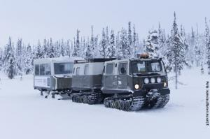 Glasiglus Finnland, Kakslauttanen Schneepanzer