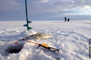 Eisangeln-in-Finnland
