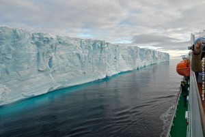 Antarktis-Reisen