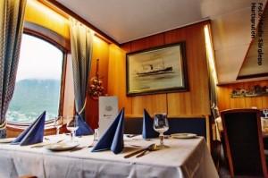 Hurtigruten-Lofoten-Restaurant