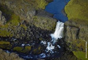 Island_Wasserfall_von_oben