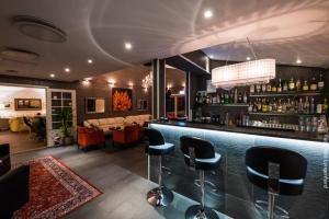 Arctic Panorama Lodge Bar