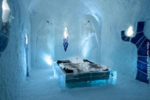 Eishotel Schweden, art-suite-365-Living with Angels. Design Benny Ekman