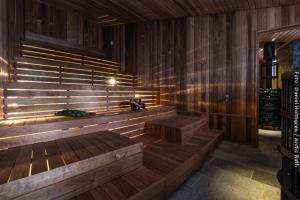 große Sauna im Arctic Bath
