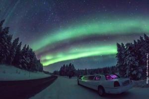 Nordlichtersuche mit Limousine