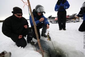 Eisfischen Nordlichterdorf