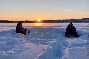 Exklusive Blockhütten in Lappland - Eisangeln