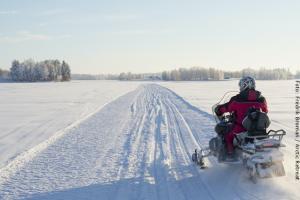 Schneemobil Safari in Lappland