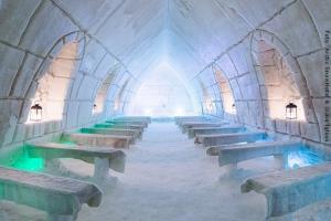 Schneehotel und Glasiglus Finnland - Eiskapelle
