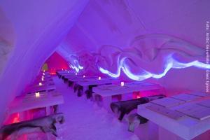 Schneehotel und Glasiglus Finnland - Eisrestaurant