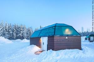 Schneehotel und Glasiglus Finnland - Familieniglu Außen