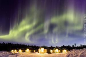Schneehotel und Glasiglus Finnland - Glasiglus mit Nordlichtern