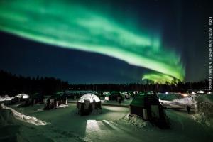 Schneehotel und Glasiglus Finnland - Nordlichter