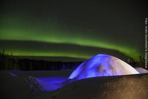 Schneehotel und Glasiglus Finnland - Schneehotel mit Nordlicht