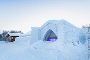 Schneehotel und Glasiglus Finnland - Schneesauna