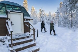 Schneehotel und Glasiglus Finnland - Schneeschuhwanderung
