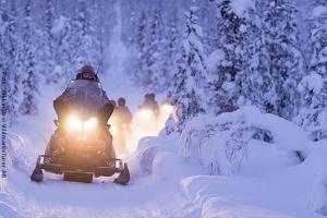 Schneemobil Safari Schweden