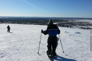 Schneeschuhwanderung durch Finnlands Taiga