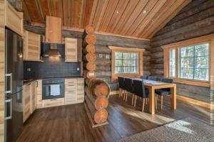 Blockhütte Kasari mit Küche